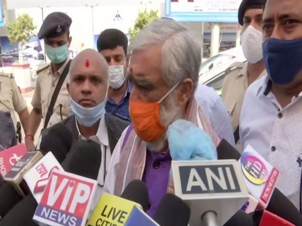 Union Minister Ashwini Choubey speaking to the reporters (Photo/ANI)