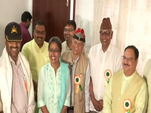 BJP working president J P Nadda meeting Army Generals in Jaipur on Tuesday. Photo/ANI