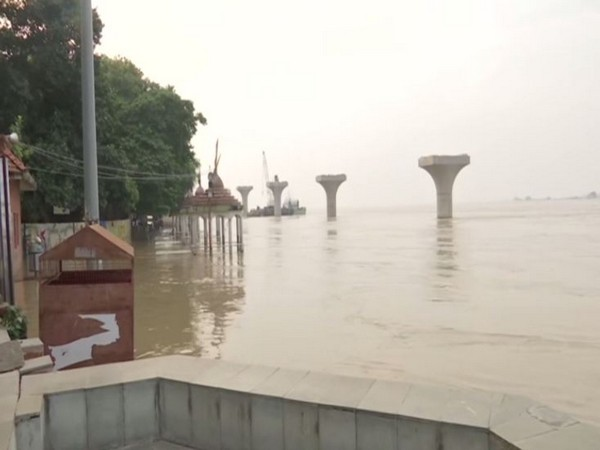 District administration has issued an alert for the low-lying areas as Ganga River is flowing above danger mark in Patna, Bihar. (Photo/ANI)