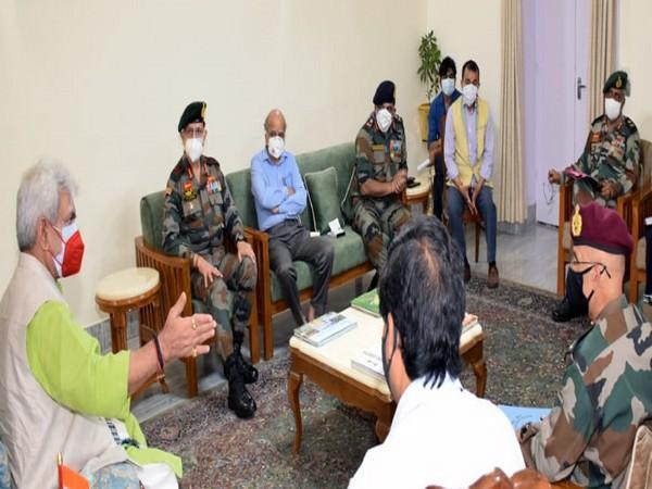 J-K LG discusses Covid preparedness with Army (Photo/ANI)