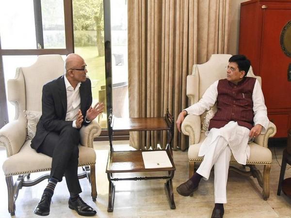 Microsoft CEO Satya Nadella (left), Union Minister Piyush Goyal (right) (Photo/Piyush Goyal's Twitter handle)