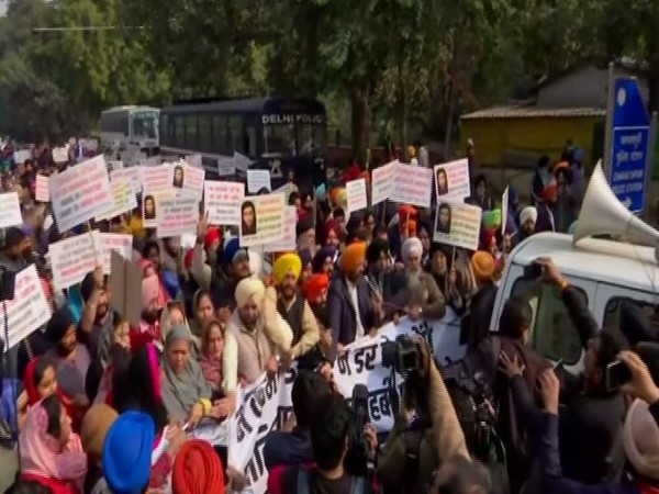 Delhi Sikh Gurdwara Management Committee (DSGMC) and Akali Dal staging protest on Saturday (Photo/ANI)