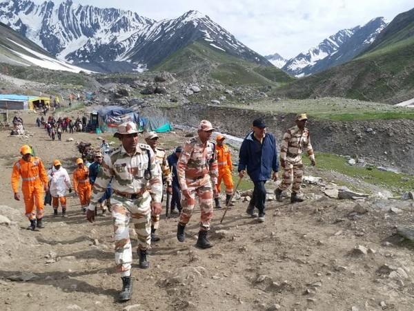 ITBP Director General (DG) trekked 44 kilometers and met ITBP personnel deployed on the Amarnath Yatra route (Photo/ANI)