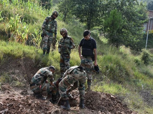 Indian Army destroyed 9 live mortar shells in Poonch on Wednesday. Photo/ANI
