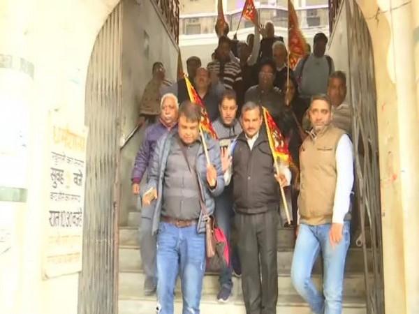 Hindu pilgrims leaving for Pakistan to visit Katas Raj temple in Chakwal city
