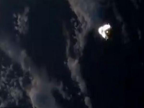 Cargo Dragon were seen fying in the sky.