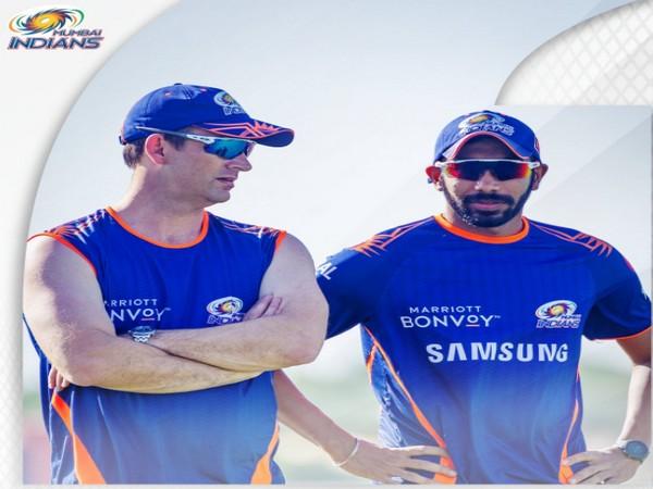 Shane Bond and Jasprit Bumrah (Image: Mumbai Indians' Twitter)