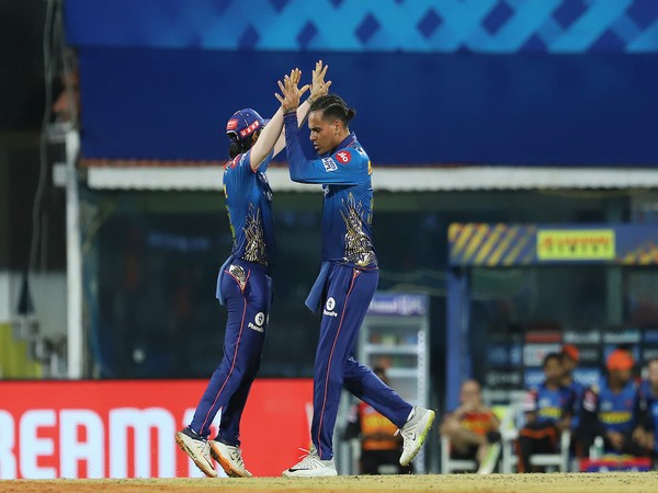 Mumbai Indians spinner Rahul Chahar celebrating after taking a wicket (Photo/ IPL Twitter)