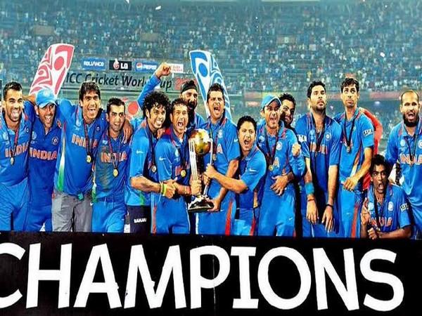 Indian team after winning 2011 World Cup (Photo/ Suresh Raina Twitter)