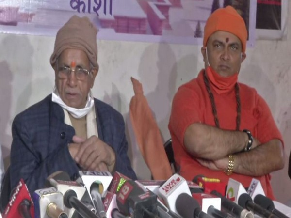 VHP vice president Champat Rai (left) speaking to reporters at a press conference in Varanasi on Friday [Photo/ANI]