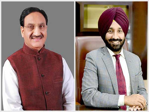 Union Minister for Education, Ramesh Pokhriyal and Satnam Singh Sandhu, Vice-President, EPSI and Chancellor Chandigarh University