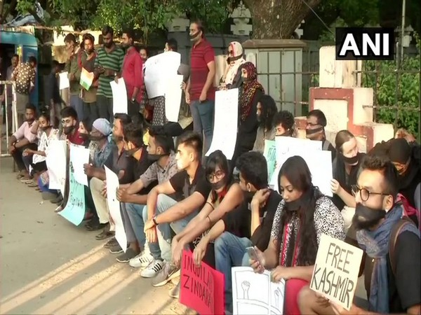 'Free Kashmir' placard spotted in Chennai during CAA protest
