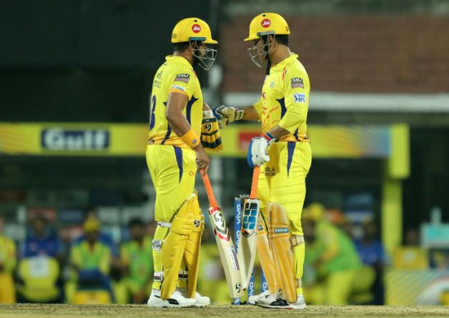 Chennai Super Kings batsmen Suresh Raina (left) with captain MS Dhoni (right) (Photo/ Chennai Super Kings Twitter)