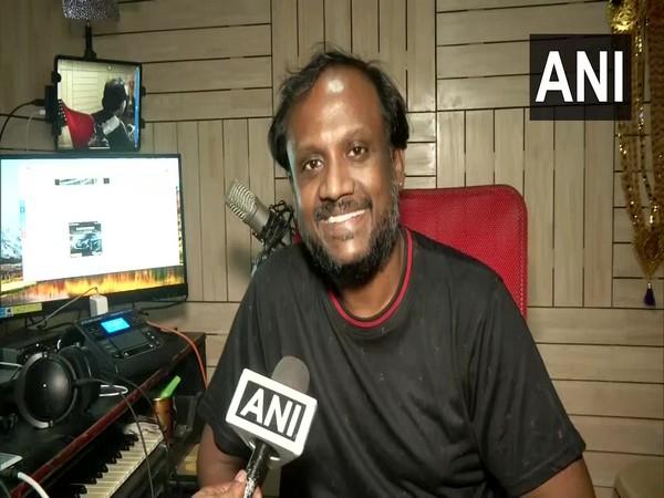 Satyan Mahalingam, Chennai-based playback singer sings for 64-days during the lockdown. (Photo/ANI)