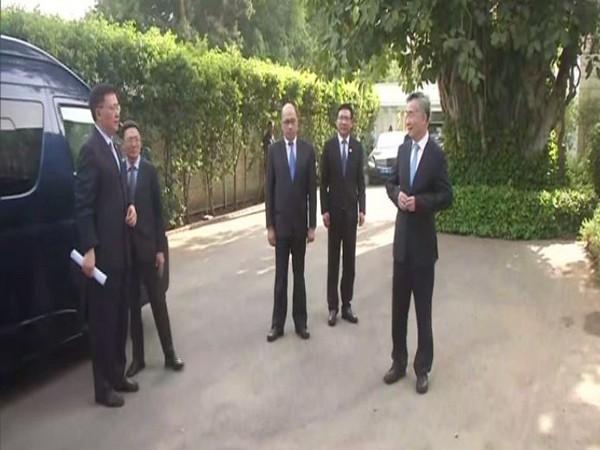 An eight-member Chinese delegation met Sonia Gandhi and Rahul Gandhi at 10 Janpath on Thursday