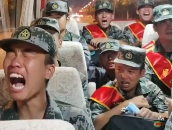 Video shows PLA recruits sobbing while heading to Ladakh border to face Indian soldiers (Video grab source: Zaid Hamid Facebook)
