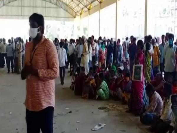 Farmers at Kuppam Mandal for subsidised seeds. [Photo/ANI]