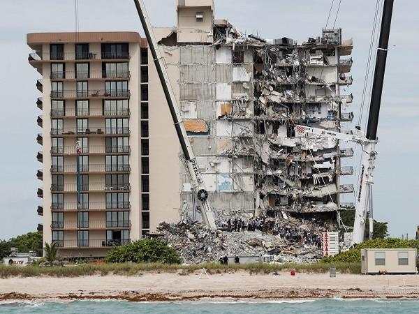Florida building collapse (Credit: Reuters)