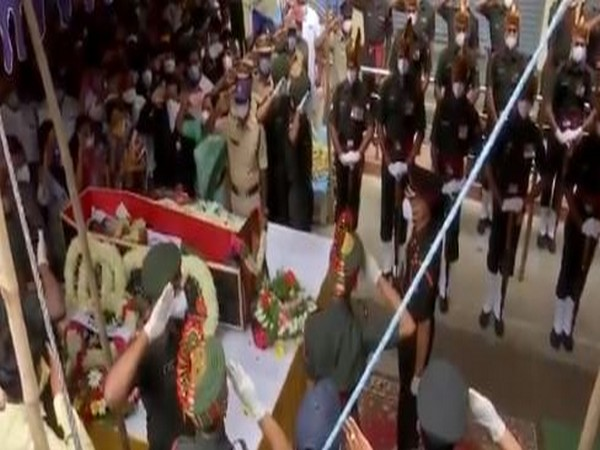 The 'guard of honour' was given to the late Colonel while the family bid a tearful adieu to the braveheart. Photo/ANI
