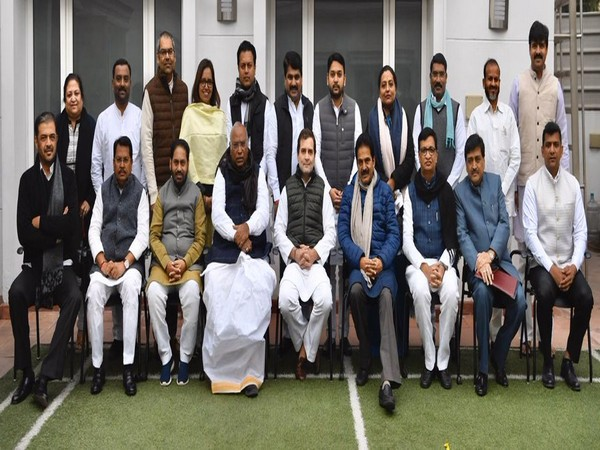 Congress leader RahulGandhi meets with party's Maharashtra team and the new ministers. (Pic credit: Congress Twitter)