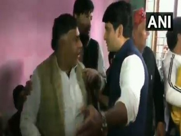 When Priyanka arrived Partapur in Meerut meet the anti-CAA protest affected family, local and senior Congress leaders throw fisticuffs at each other.
