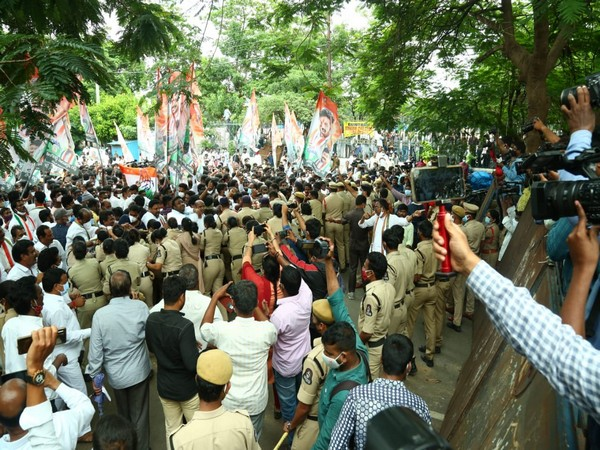 visuals from protest. (Image courtesy: Twitter/ @revanth_anumula)