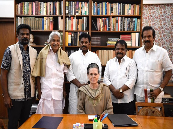Newly appointed president and working presidents of Andhra unit Congress met Sonia Gandhi at her residence in New Delhi on Wednesday. Photo/ANI