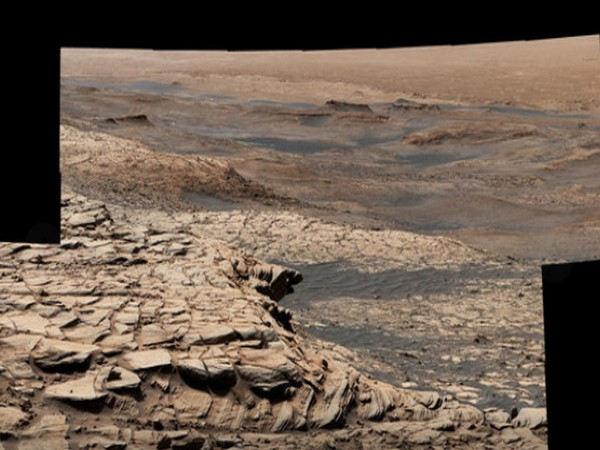 "Stitched together from 28 images, NASA's Curiosity Mars rover captured this view from ""Greenheugh Pediment"" on April 9, 2020 (Image credit: NASA/JPL-Caltech/MSSS)"
