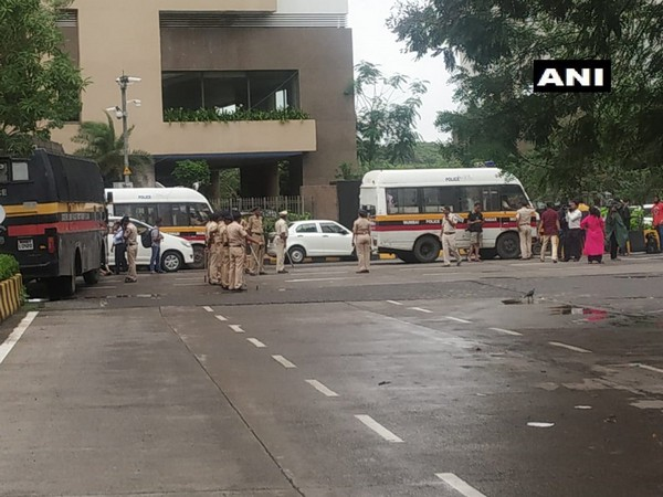 Security personnel outside the Mumbai hotel.