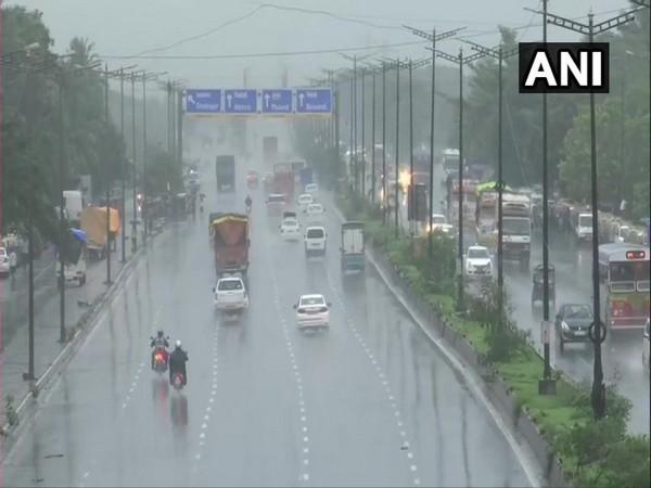 Rain showers continue to lash Mumbai [Photo/ANI]