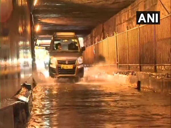 Monsoon showers lead to waterlogging at Khar underpass in Mumbai. [Photo/ANI]