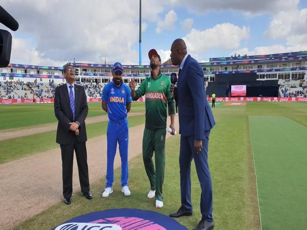 India skipper Virat Kohli and Bangladesh skipper Mashrafe Mortaza during toss at Edgbaston (Photo/BCCI Twitter)