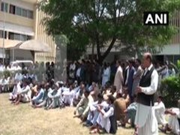 The secretariat workers in PoK raised slogans against Islamabad