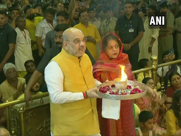 Amit Shah with wife Sonal Shah at Lord Jagannath Temple on July 4. Photo/ANI