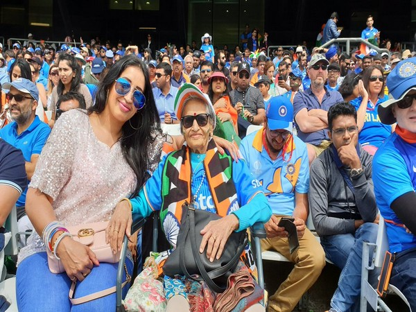 Charulata Patel cheering for team India (Photo/BCCI Twitter)