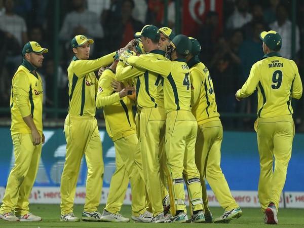 Australia team celebrating series win at Feroz Shah Kotla (Photo/BCCI)