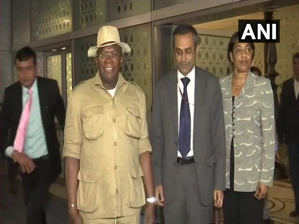 Prime Minister of Republic of Guinea Ibrahima Kassory Fofana, second from left, arrived in New Delhi on Saturday. Photo/ANI
