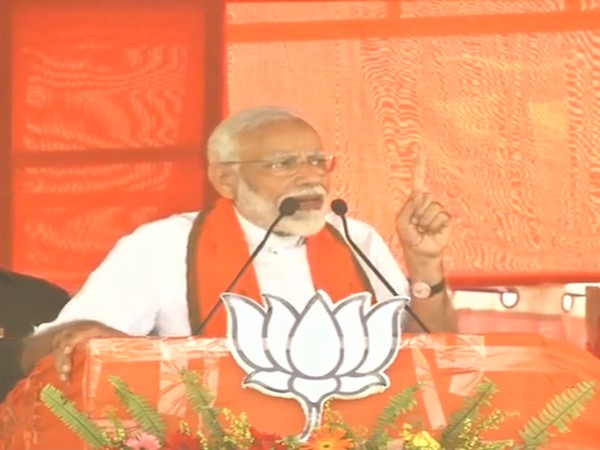 PM Narendra Modi addressed a a meeting in Buniadpur, West Bengal on Saturday [Photo/ANI]