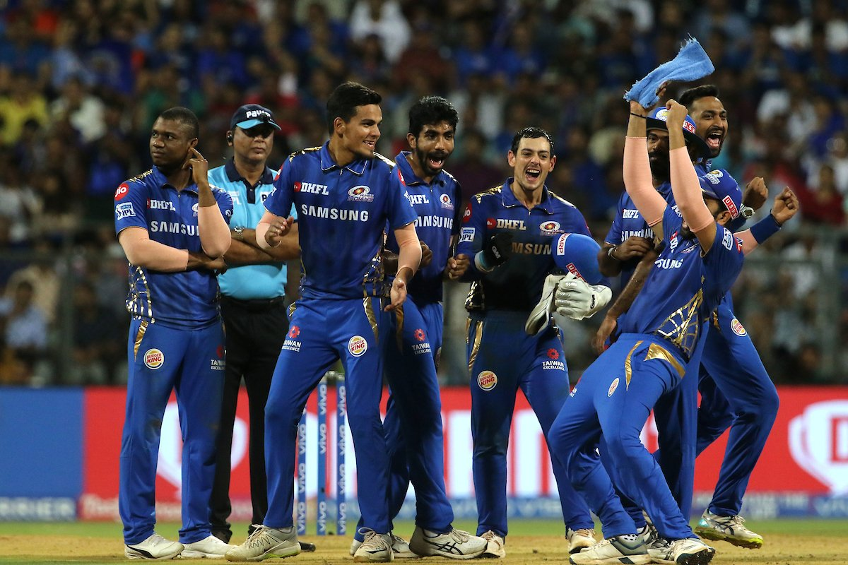 Mumbai Indians celebrate after dismissing Kane Williamson (Photo/ IPL Twitter)