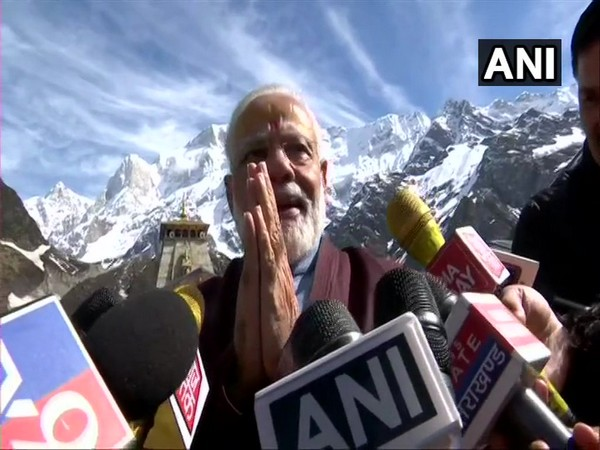 PM Narendra Modi interacts with media in Kedarnath on Sunday. [Photo/ANI]