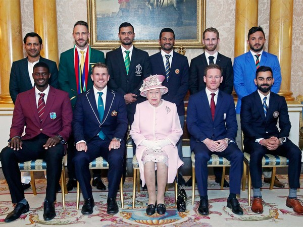 All ten skippers with Queen Elizabeth (Photo/ BCCI Twitter)