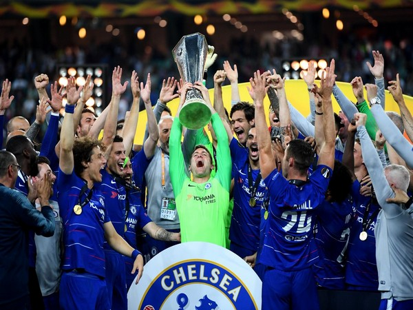 Chelsea with Europa Cup title (Photo/Chelsea Twitter)