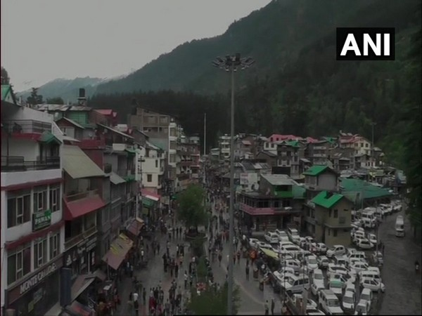 Traffic congestion seen in Manali as tourists rush to the town. [Photo/ANI]