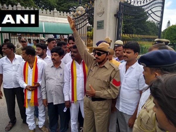 Vatal Nagaraj at the protest in front of Vidhanasoudha in Bangaluru on Thursday. Photo/ANI