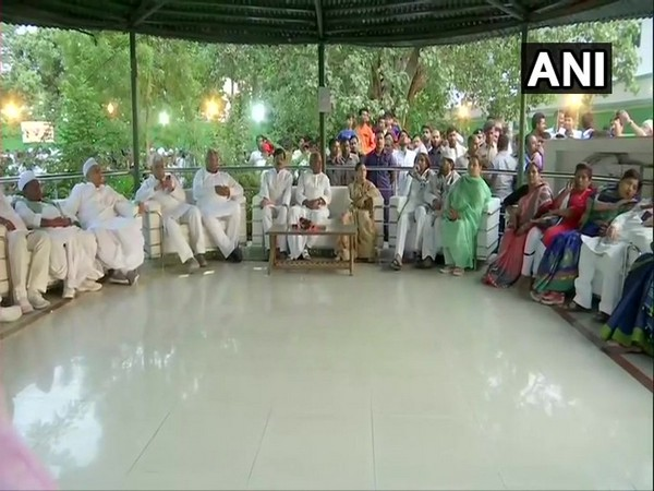 Grand-alliance leaders during an iftar hosted by Rabri Devi at her residence on Sunday. Photo/ANI