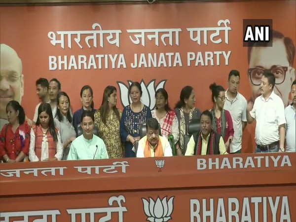 Seventeen Councillors of GJM joined BJP on Saturday. Photo/ANI