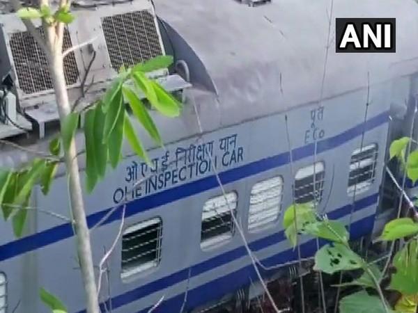 Derailed engine of Howrah-Jagdalpur Samaleshwari Express in Rayagada on Tuesday. Photo/ANI