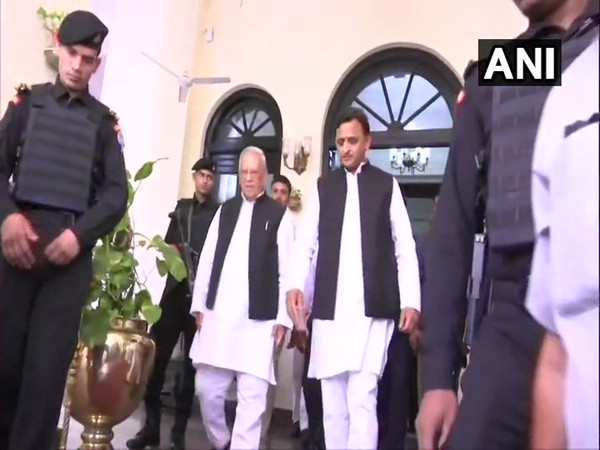 Akhilesh Yadav leaves after meeting Governor Ram Naik at Raj Bhavan in Lucknow on Saturday. Photo/ANI