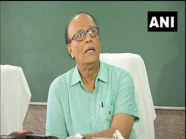 Superintendent Sunil Kumar Shahi addressing a press conference in Muzaffarpur on Wednesday. Photo/ANI