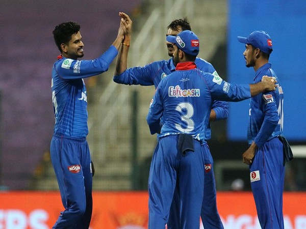 Delhi Capitals players celebrating after taking a wicket (Photo: BCCI/ IPL)
